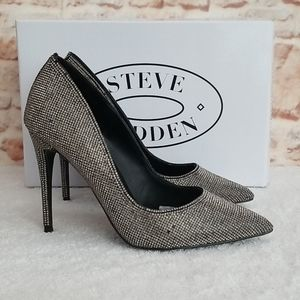 New Steve Madden Daisie Pumps